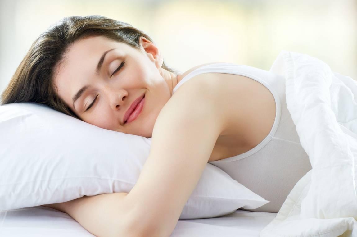 Estudo diz que é mito ficar bem com menos de 8 horas de sono